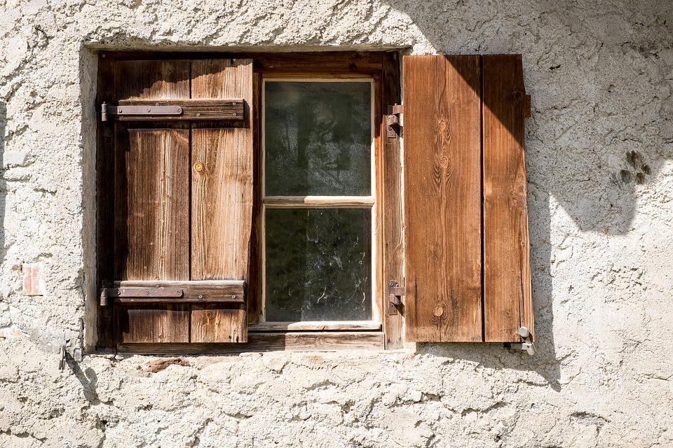 How long do double glazed windows last? Single glazing